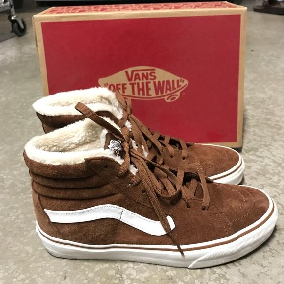 2ded1eafda Vans Sk8-Hi Pig Suede Fleece Sneaker. M 5b60a2bfc9bf50e51d2ae5c5